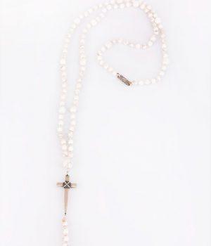 Ανδρικό κολιέ ''ροζάριο'' σταυρός από ασήμι (925'') & με πέτρες howlite (white) N000044